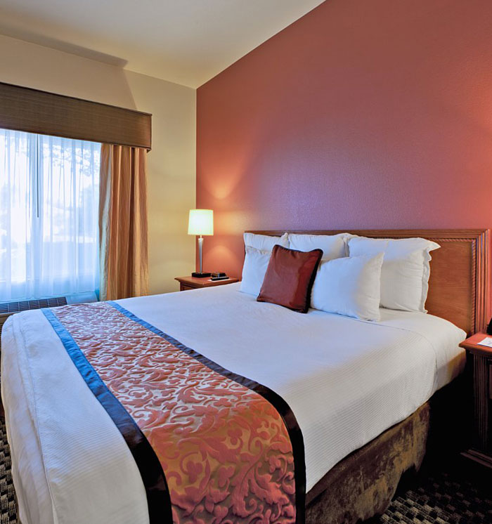 USS Hornet Hotel Package at Hawthorn Suites By Wyndham-Oakland/Alameda