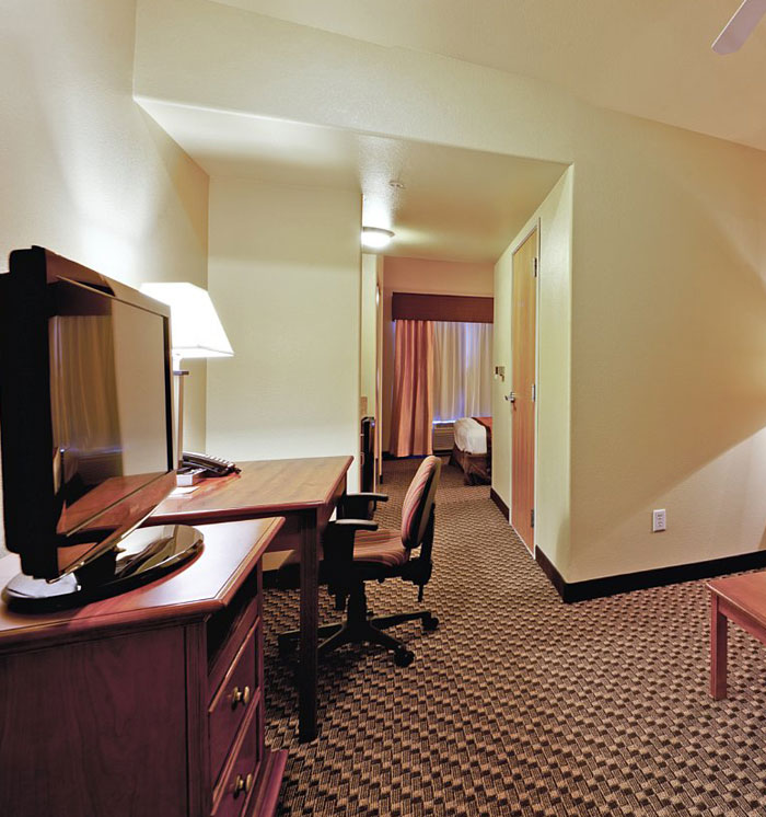 2 Queen 1 Sofa Beds Executive Suite at Hawthorn Suites By Wyndham-Oakland/Alameda