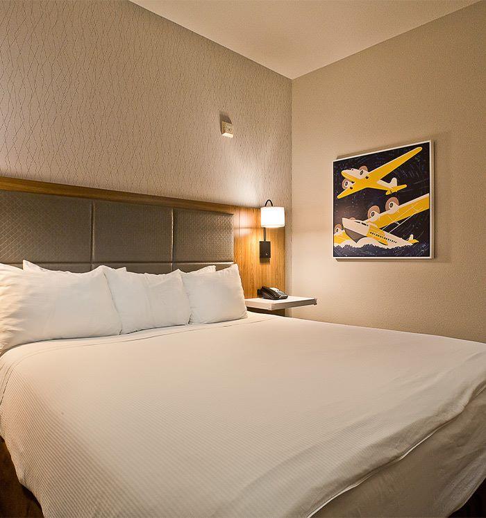 1 King Bed Suite at Hawthorn Suites By Wyndham-Oakland/Alameda
